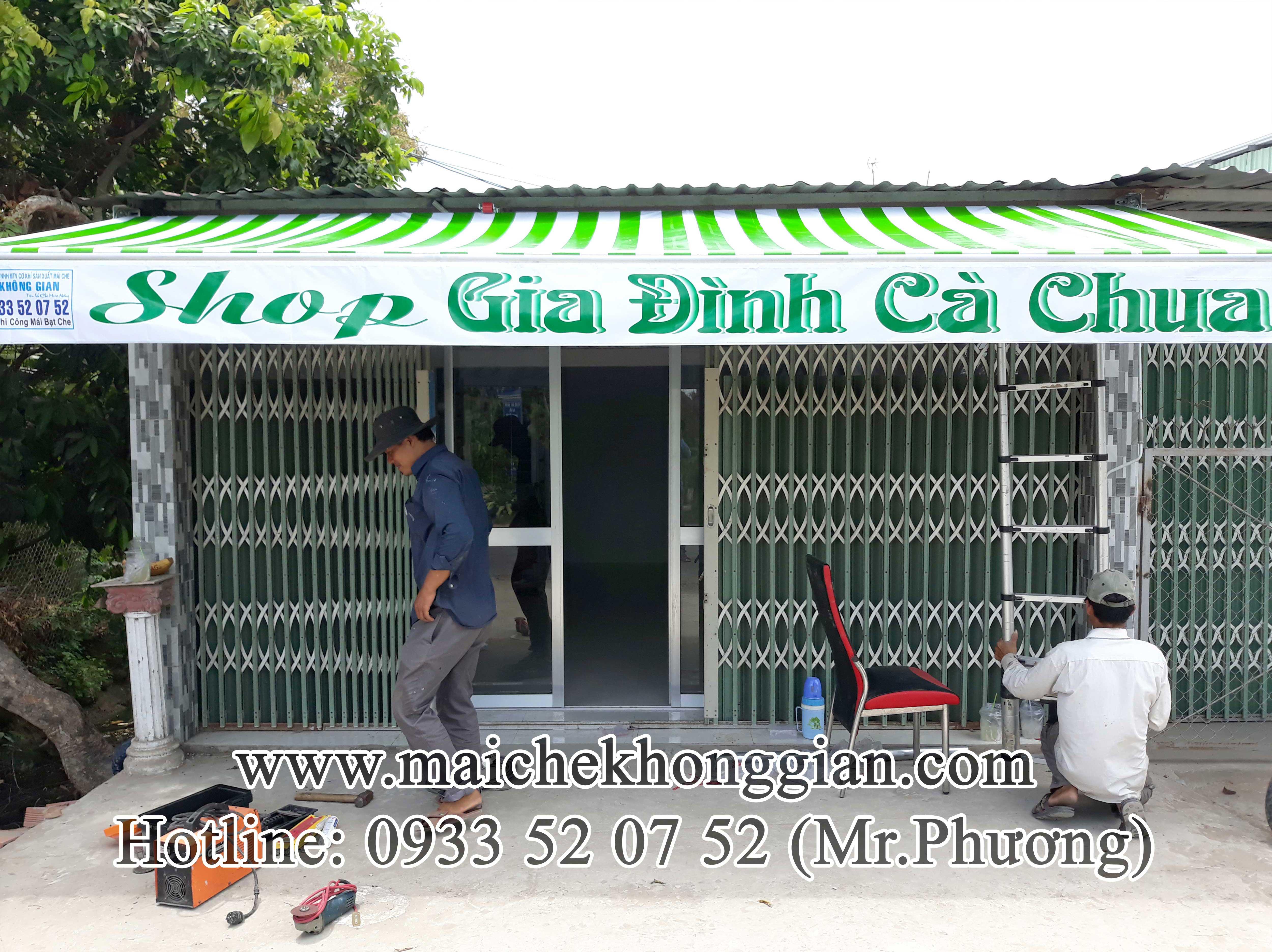 Mái hiên Huyện Phú Tân